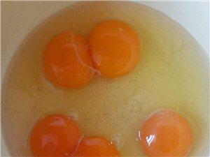 长期出售正蓝旗本地散养柴鸡、鸡蛋,可送货上门。