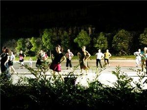 乡村广场舞的风景
