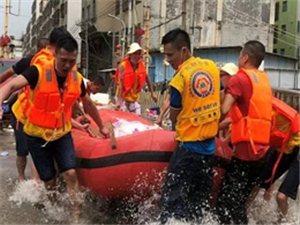 澳门巴黎人投注娱乐:暴雨冲垮近百米河堤,干群合力抢险保家园!