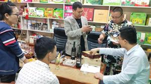 团县委副书记陈怀祥深入合阳电商企业走访调研