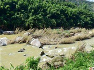 洪水过后的坪上石内溪