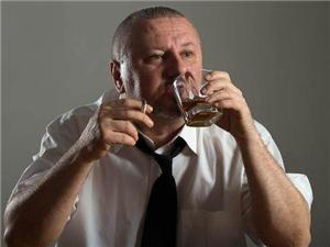 """长期吸烟的男人,要注意这3件事,可能是对身体的""""自救""""!"""