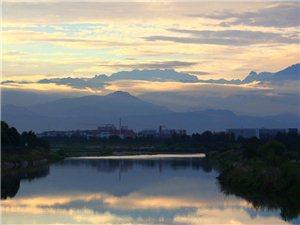 西边的太阳就要落山了,鸭子河上静悄悄(图片)