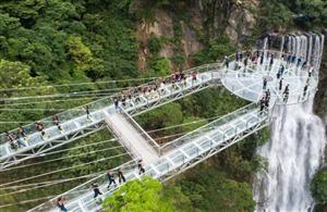 澳门牌九网址应该招商新建玻璃桥游玩景点