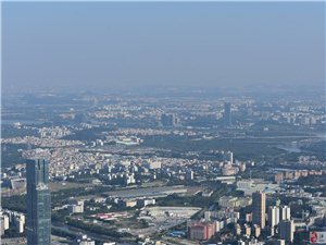 �V州塔�450米俯�珠江新城