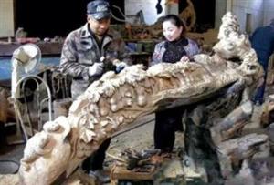 莱阳有个根雕高手!枯树根打造艺术品能卖几十万!