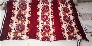 找可以做毛毯、毡子和防滑网布三合一的绗绣厂