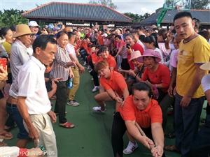 """阳江镇首届""""中国农民丰收节""""农民运动会拔河比赛举行"""