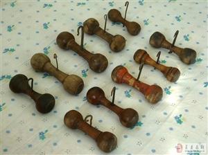 一组老纺绳工具