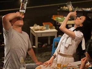 又喝死一个!22岁小伙婚宴醉亡,丰都人你还在劝酒吗?