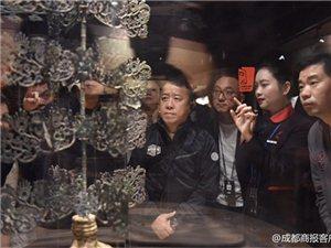 """今天上午,香港演员曾志伟参观三星堆连称震撼,""""到这里拍戏会非常棒!"""""""