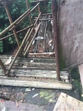 位于合江县,榕山镇,荔枝林小区,一号楼6单元,我们一个单元12户,每人每天都得经过,维修了并且每年补
