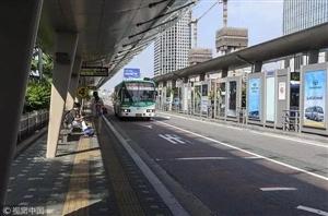 重庆将为公交车配备安全隔离驾驶室等防护设施