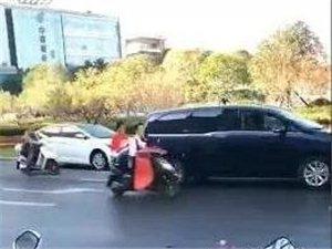 桐城大广场发生车祸,一人当场死亡.......