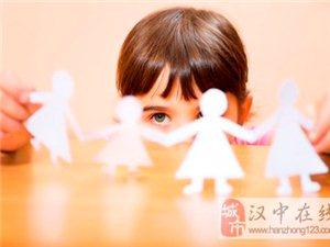 8岁女孩被妈妈毒打
