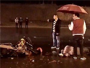 南溪发生车祸,摩托报废,司机重伤,男子行为感动所有人!