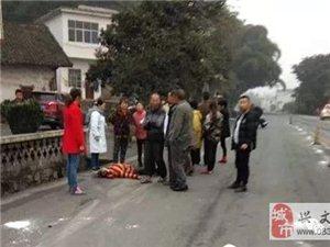 前两天在五矿撞死人的司机被抓到了,无证驾驶还找人顶包。