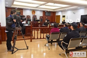 溧水法院邀请人大代表旁听一起公共道路妨碍通行纠纷案件庭审