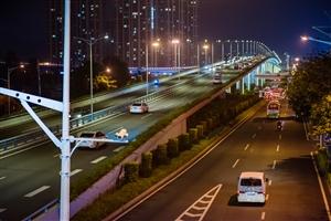 城 市 夜 景
