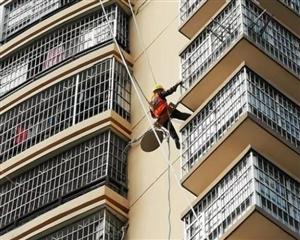 平果县依法整治非法卫星电视广播地面接收设施