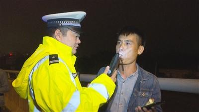 洋浦交警持续开展查处酒驾醉驾专项整治行动