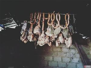 """外出的人些,收的""""家私""""回家去吃杀猪饭啦!"""