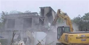拒不配合拆迁!南溪一房屋被依法强制拆除!