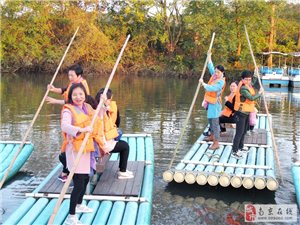 八岭湖景区第二届年货节即将开街啦。