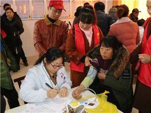 县文明办爱心天使志愿者协会联合开展献爱心义诊送医送药活动