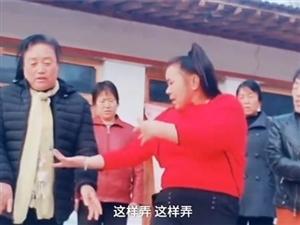 �r村大��跳�V�鑫枳呒t,村民全是她的�W生 大��:好多老板想�我