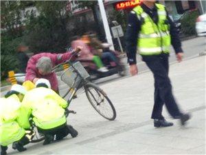 龙南广场南路,人行道的两位交警,你们蹲下的样子真好看!