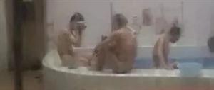 临泉一妈妈带小男孩去女澡堂洗澡,接下来一幕太尴尬了!