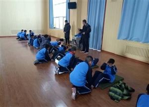 区教育局体卫艺教研室对河口区实验学校学生进行体育技能抽测