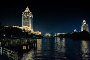 集 美 大 学 夜 景