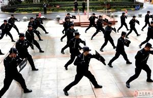 """江夏区公安分局开展""""警民携手"""