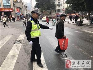 交警大队大力开展道路交通秩序专项整治积极助推省级文明城市创建复检工作