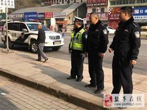 交警大队大队长冯成一行实地调研城区交通秩序管理工作