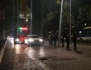 春运前,荆门交警昨晚查获酒司机14人