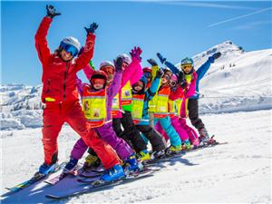 ��坻在�滑雪季特�r