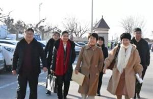 出席政协莱阳市十二届三次会议的委员们今日报到啦,快来看一下他们的风采吧~