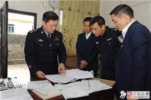 ?化州春运首日:公安局长吴校一线督导保安全