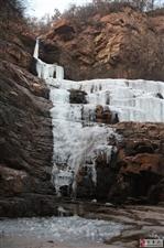 伏羲大峡谷    冰雪一片天
