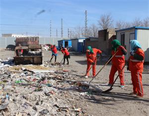 东安社区联合环卫深入开展卫生整治活动