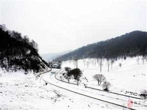 大雪纷飞的关山,美的令人心醉