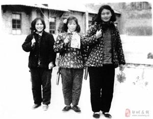 老照片:上世纪50年代的女民兵!