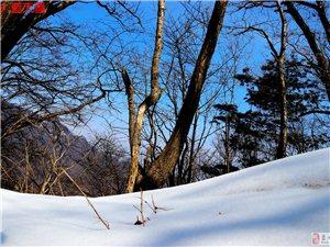49蓝天人脚踩冰雪由蓝桥穿越到张坪