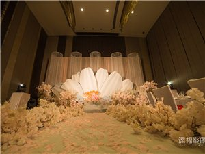 福州婚�c公司、婚�Y策��、�z影�z像、新娘跟�y婚�出租