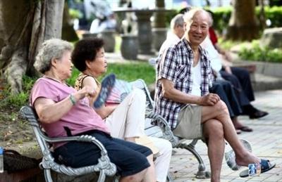 曝光!栾川一些老人在这里住了几天后,竟然不肯回家,原因是......
