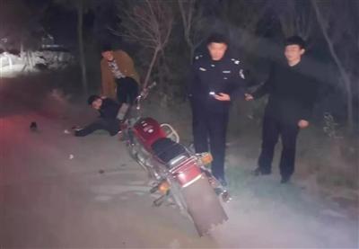 夜晚,临泉上演追截大战!警车、宝马、帕萨特都在撵这俩人…