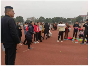 """吴汝纶公学工会举办庆祝""""三八国际妇女节""""系列文体比赛活动"""